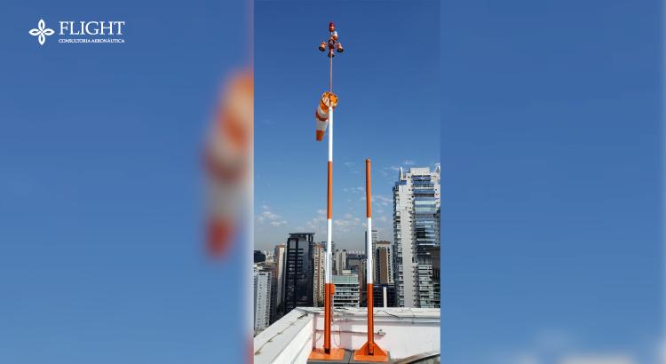 Indicadores de vento, iluminação adequada e materiais de segurança são equipamentos necessários para que seu heliponto possa operar corretamente. Entenda a função de cada um deles a seguir!